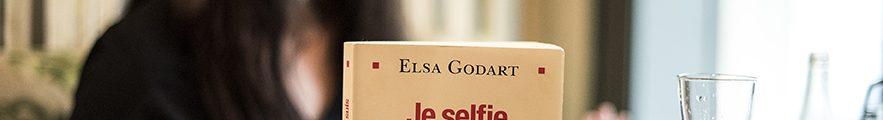 Elsa Gorart et son livre je selfie donc je suis