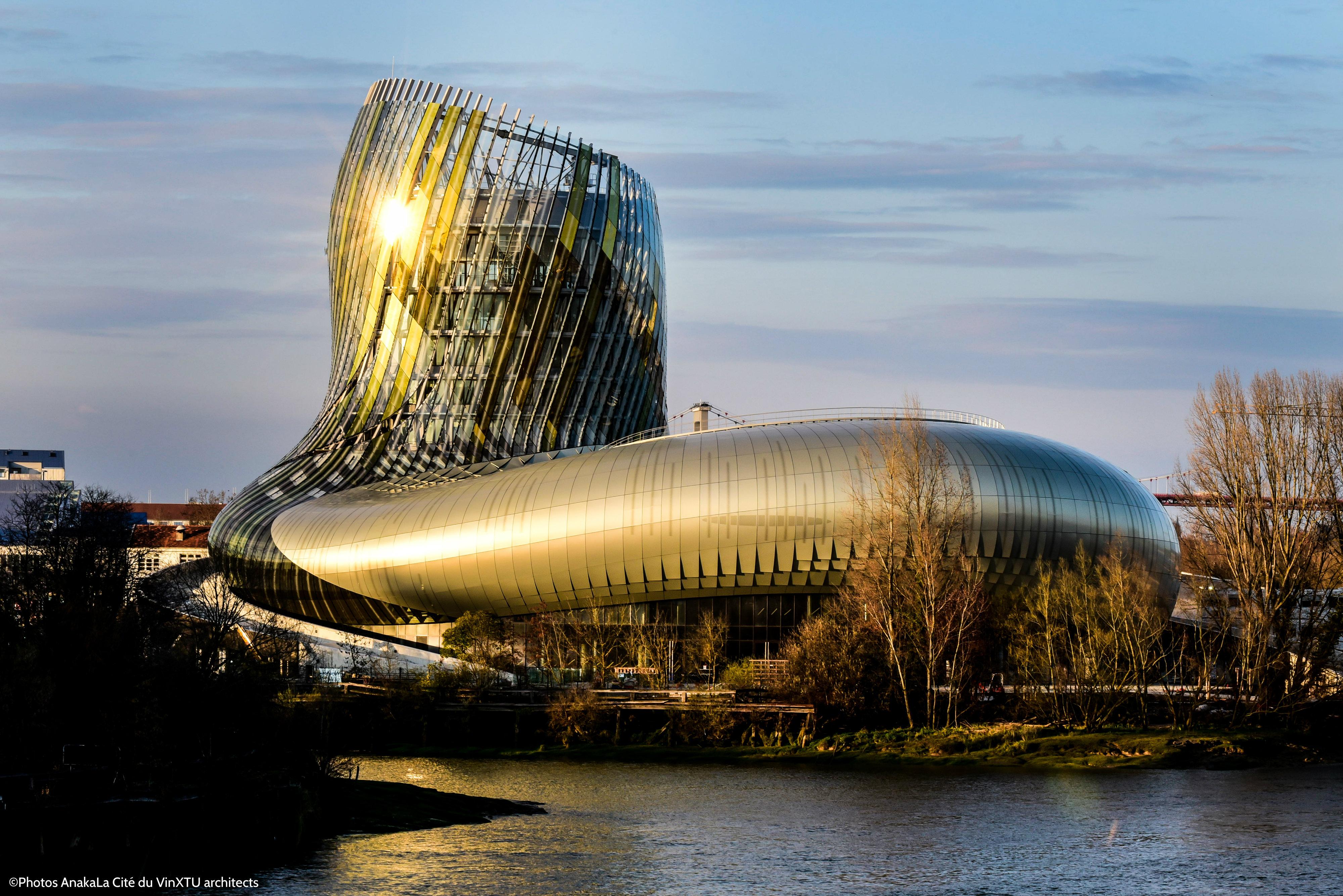 Extérieur de la Cité des Vins à Bordeaux