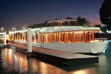 Le bateau River Palace sur la Seine