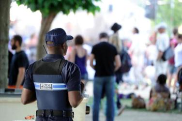Policier sur festival